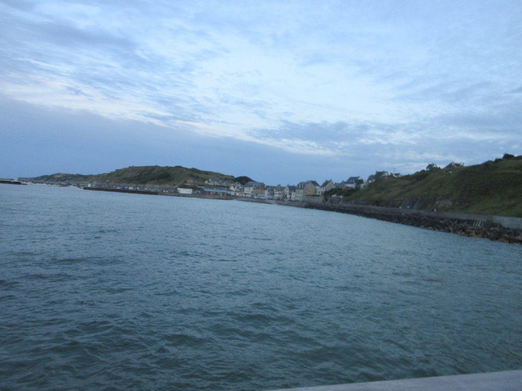 Vue du port et du village depuis la rade.